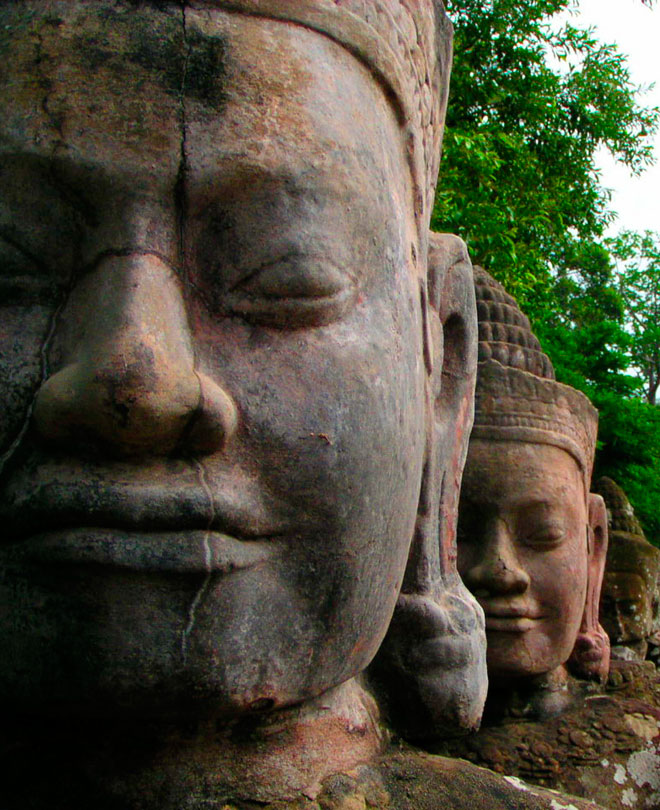 faces of gods in North gate bridge of angkor thom, Siem reap