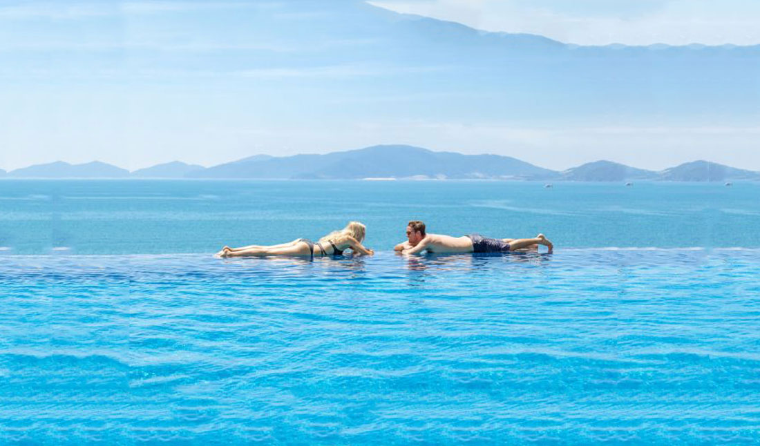 Pool i Royal Beach Boton Blue Hotel, Nha Trang, Vietnam